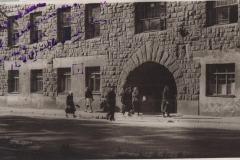 Илл. 32. К проекту  установки м.д. А.М.Горькому. 1946 г.